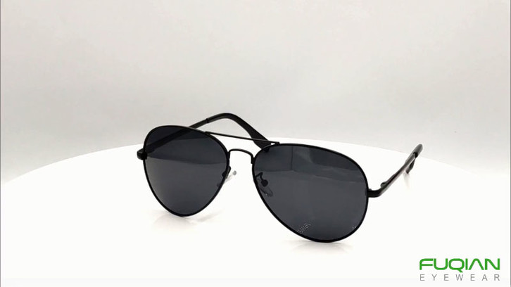 Classic Metal Pilot Polarized Sunglasses