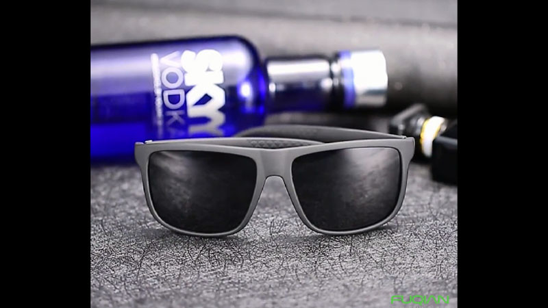 Fashion Unique  Plastic Square Polarized Sunglasses